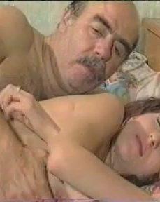Genç Kızlar ve Yaşlı Adamlar Türk Erotik Pembe Düşler
